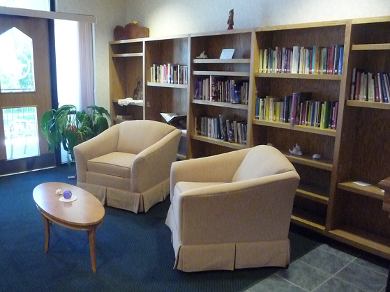 Retreat Accommodations: Yankton Benedictines Peace Center Lounge