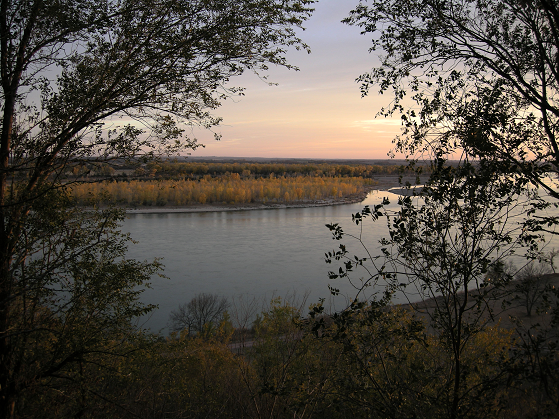 Yankton Benedictine Retreat Center, Silent Personal Retreats scenic Missouri River